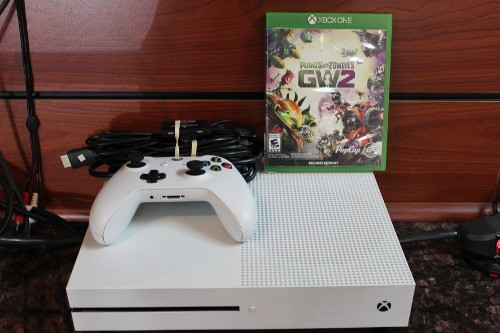 Plants vs Zombies Game and XBOX Console